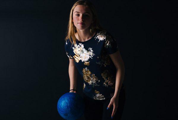 Glow Bowling bij ZERO55 Apeldoorn. Kom bowlen op onze unieke VIP banen.
