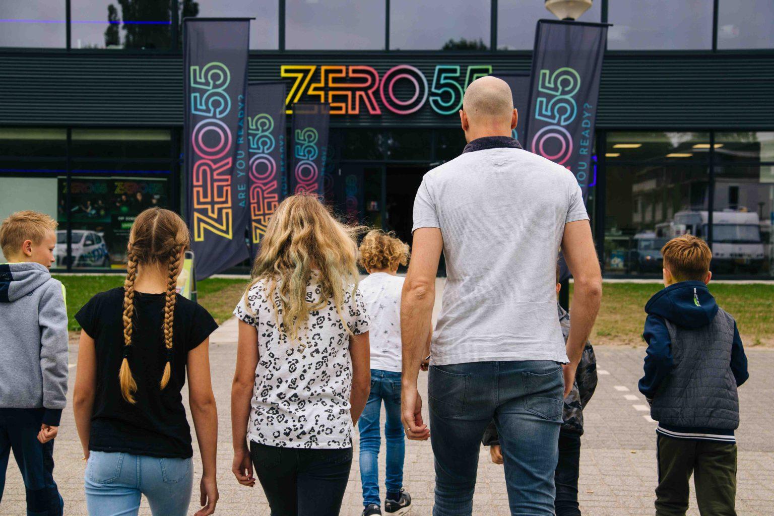 Aankomst kinderfeestje bij ZERO55 in Apeldoorn